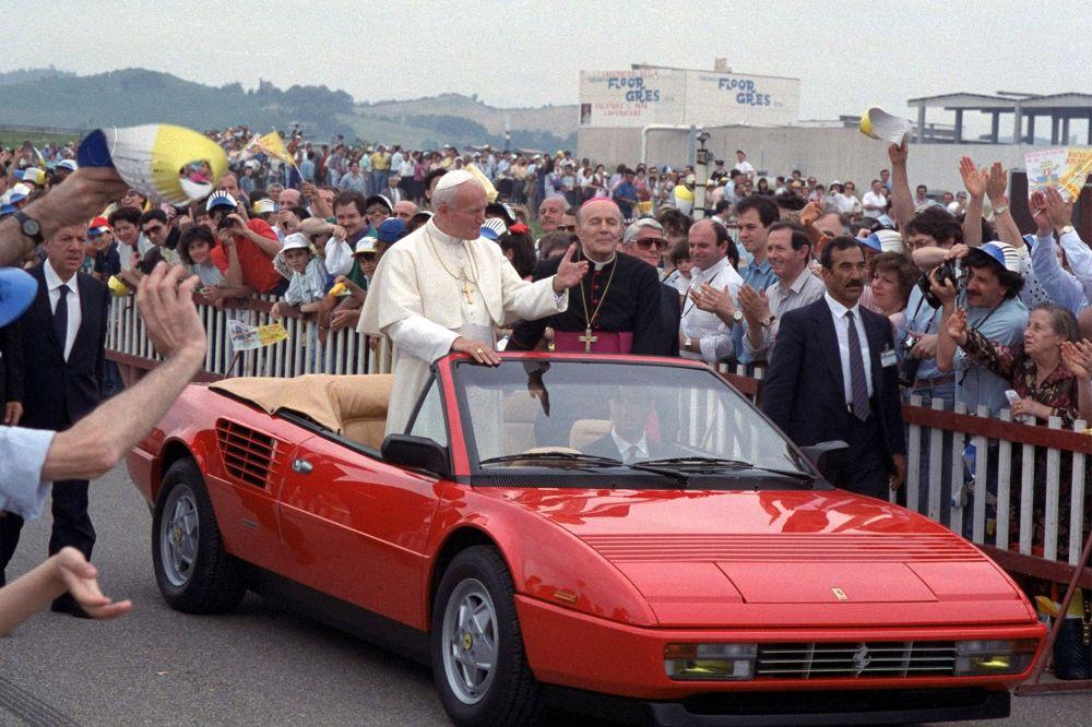 pope-john-paul-ii-ferrari-1